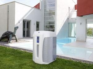 Geregelte Lüfterdrehzahlen erlauben es, die Wärmepumpe für den Pool auf einen besonders leistungsstarken oder auf besonders leisen Betrieb einzustellen. Foto: djd/Zodiac Pool Deutschland GmbH