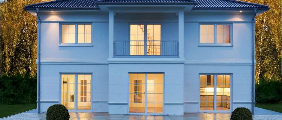 Hoch wärmegedämmte Häuser garantieren über Generationen einen minimalen Verbrauch an Heizenergie. Foto: djd/Haacke-Haus