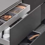 Alles im Griff, übersichtlich und rutschfrei verstaut. Dies ermöglichen intelligent und ergonomisch perfekt durchdachte Schubkasten- und Auszugssysteme mit integrierter Dämpfung. (Foto: AMK)