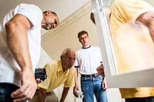 Ob der vereinbarte energetische Standard im Neubau konsequent umgesetzt wird, kann ein unabhängiger Bauherrenberater überprüfen. Foto: djd/Bauherren-Schutzbund