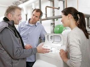 Eine Öl-Brennwertheizung kann den Energieverbrauch im Vergleich zum alten Heizkessel um bis zu 30 Prozent reduzieren. Foto: djd/IWO - Institut für Wärme und Oeltechnik e.V.