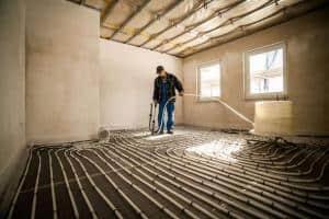 Fußboden-Flächenheizungen bieten mehr Komfort und sparen Energie, wenn sie richtig geplant und ausgelegt sind. Foto: djd/Bauherren-Schutzbund