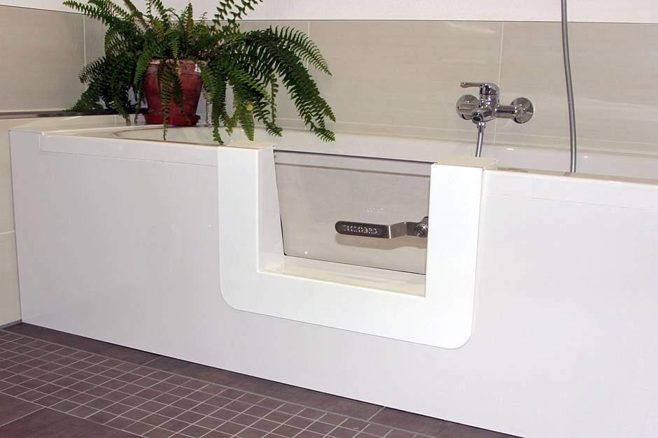 ein bad ohne barrieren jetzt auf immobilien und hausbau. Black Bedroom Furniture Sets. Home Design Ideas