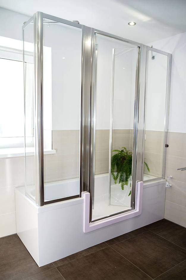 badewanne zur dusche auch der umbau von der badewanne zur dusche. Black Bedroom Furniture Sets. Home Design Ideas