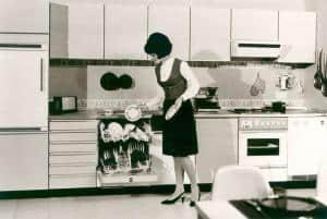 In den 1960er Jahren eroberten die Spülmaschinen die Haushalte der Deutschen. (Foto: AMK)