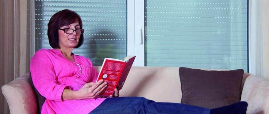 Wohlige Wärme garantiert: Rollläden schützen vor kostspieligen Energieverlusten und sorgen für ein angenehmes Raumklima. Foto: Bundesverband Rollladen + Sonnenschutz/akz-o