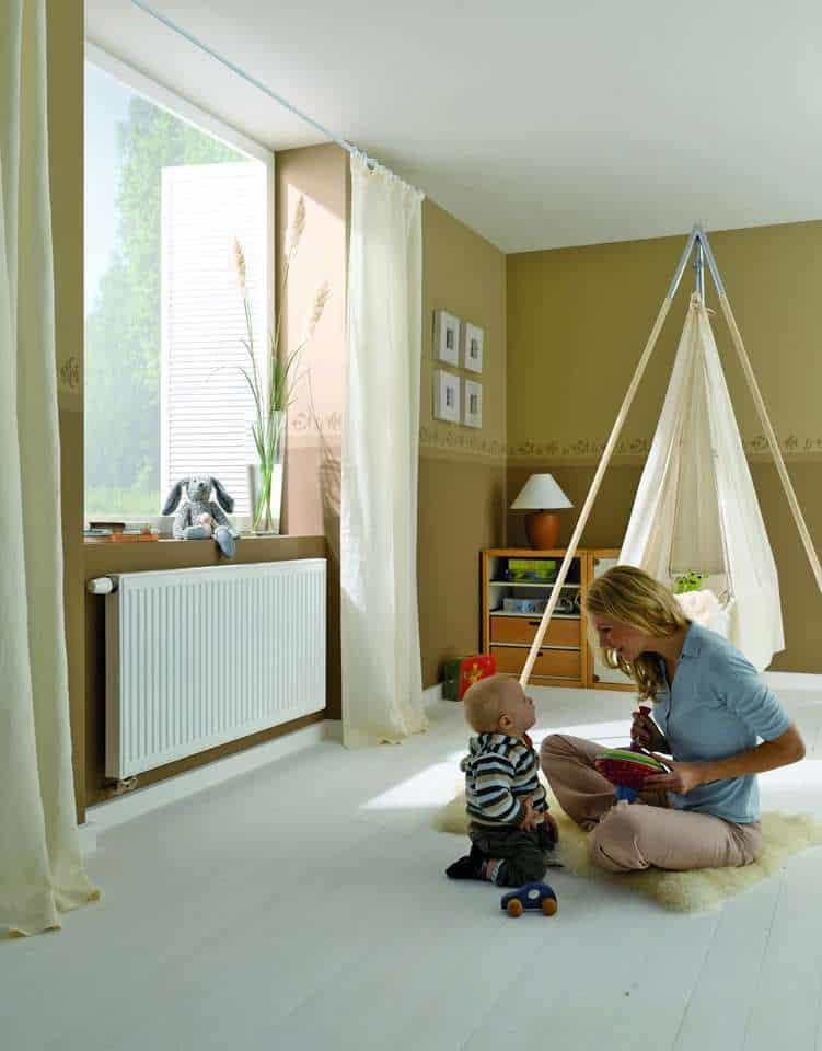 effiziente kombination aus w rmepumpe und flachheizk rper jetzt auf immobilien und hausbau. Black Bedroom Furniture Sets. Home Design Ideas