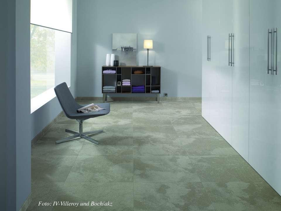 sanierung von bodenbel gen jetzt auf immobilien und hausbau. Black Bedroom Furniture Sets. Home Design Ideas