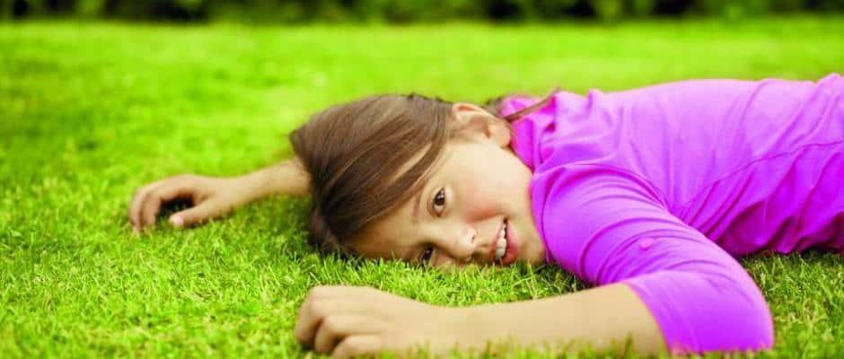 Richtige Pflege für den neuen Rasen Foto: Neudorff/txn-p