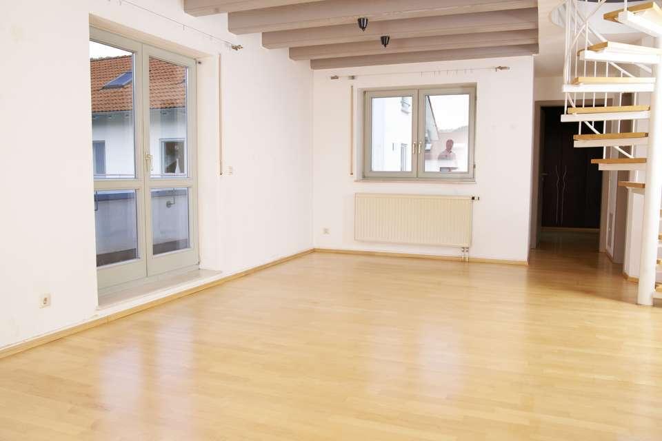 sch nheitskur f rs parkett jetzt auf immobilien und hausbau. Black Bedroom Furniture Sets. Home Design Ideas