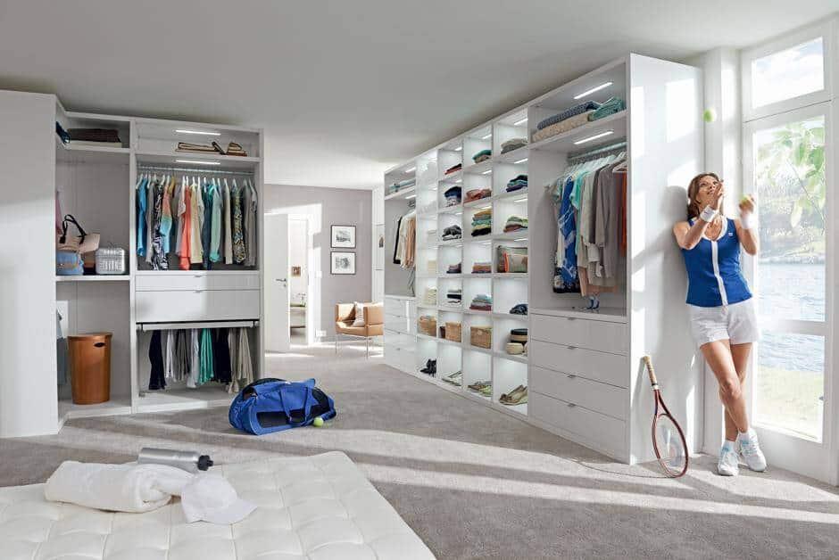 lange suchen sondern einfach finden ein begehbarer kleiderschrank. Black Bedroom Furniture Sets. Home Design Ideas