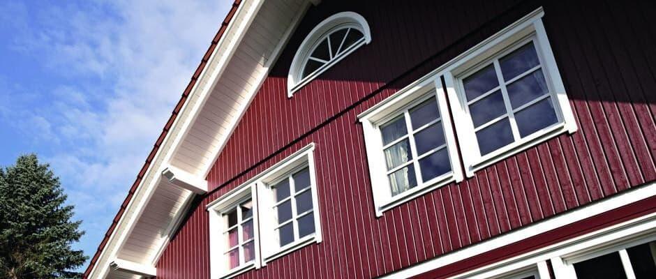 Wer neue Fenster haben möchte, muss viel planen. Dabei helfen der Fensterfach¬betrieb vor Ort und eine spezielle Planungsapp von Veka, mit der sich auch dem Laien die weite Welt der Kunststoff-Profile erschließt. Foto: Veka/txn