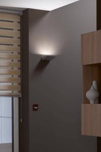 LED-Leuchten benötigen spezielle Dimmer - der Fachhandel oder der Elektrofachbetrieb wissen, welche für die konkrete Situation passen. Foto: djd/Elektro+/JUNG