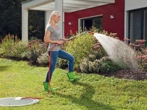Regenwasser sammeln und sinnvoll nutzen: Das spart nicht nur Trinkwasser, vielerorts reduzieren sich auch die Gebühren für Niederschlagswasser. Foto: djd/Otto Graf