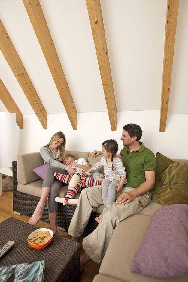 niedrigstenergiehaus mit dem standard von morgen schon heute sparen jetzt auf immobilien und. Black Bedroom Furniture Sets. Home Design Ideas