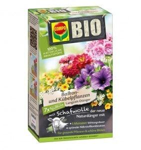 Die Bio Langzeit-Dünger mit Schafwolle sind im Fachhandel erhältlich und mit 100 Prozent natürlichen Inhaltsstoffen für den ökologischen Landbau geeignet. Foto: djd/Compo