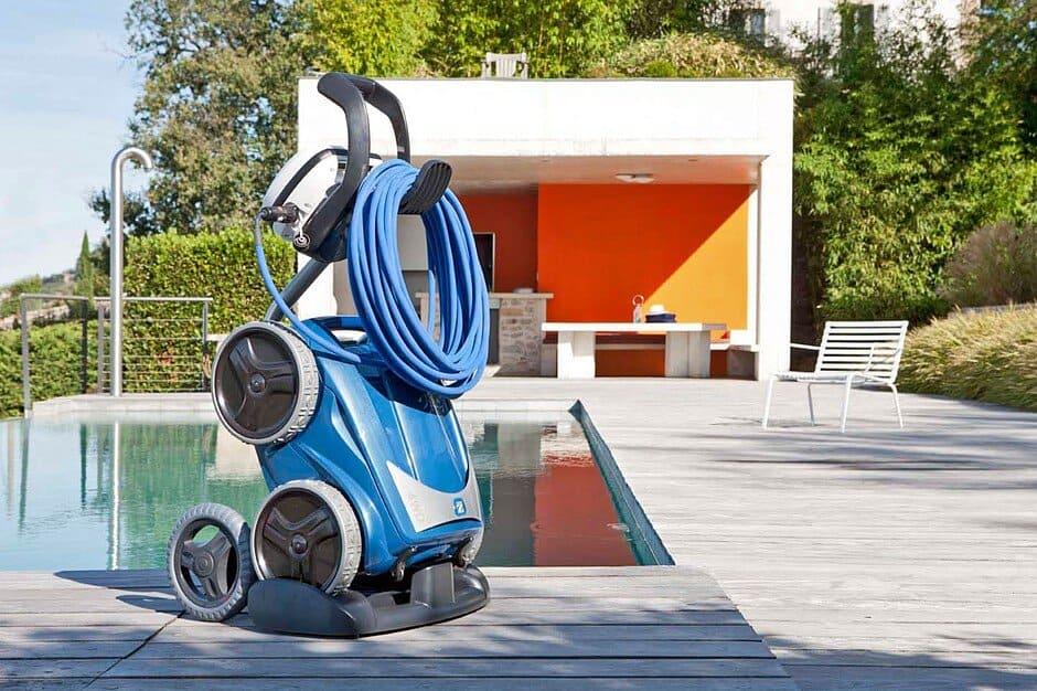 mit poolrobotern l sst sich das becken ganz bequem reinigen jetzt auf immobilien und hausbau. Black Bedroom Furniture Sets. Home Design Ideas
