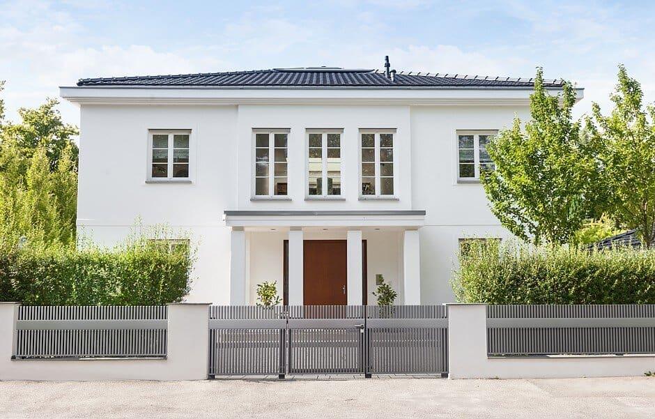 der zaun wird zum designerst ck jetzt auf immobilien und hausbau. Black Bedroom Furniture Sets. Home Design Ideas
