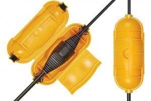 Sogenannte Safe Boxes schützen Kabelverbindungen im Freien zusätzlich gegen Nässe oder eine unbeabsichtigte Trennung. Foto: djd/Hugo Brennenstuhl GmbH & Co.KG