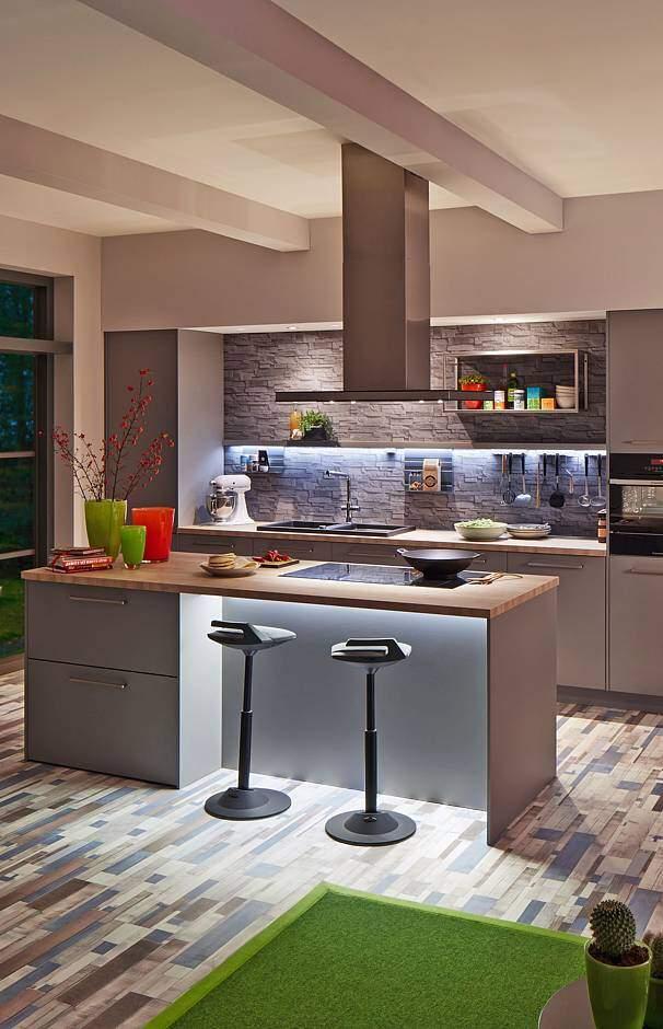eine kche latest barfussbar befindet sich in der frauenbadi eine der schnsten und locations der. Black Bedroom Furniture Sets. Home Design Ideas