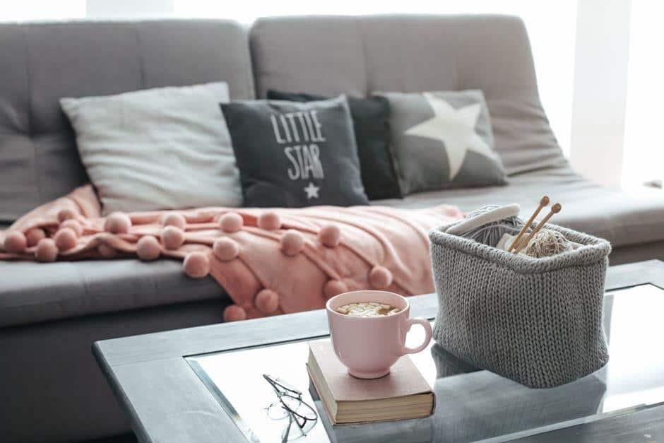 Vor allem die Kleinigkeiten machen Hygge-Stil aus Foto: Alena Ozerova / shutterstock.com