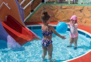 Ein Aufstellpool macht Kindern Spaß