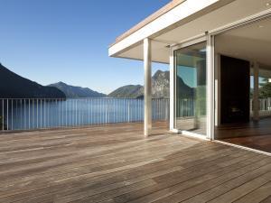 Terrasse mit WPC-Dielen