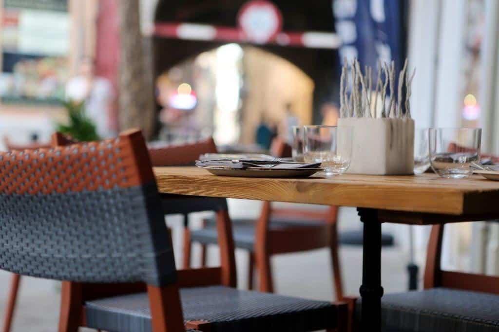 Möbel in einem Café