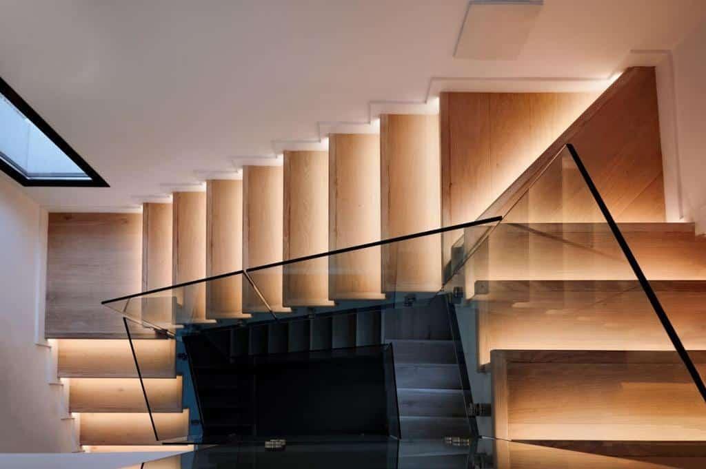 Licht in Flur und Treppenhaus mit LED-Profilen