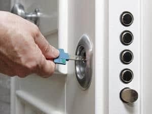 Einbruchschutz für die Wohnungstür
